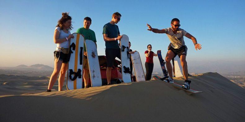 10 days in peru - sandboarding with friends