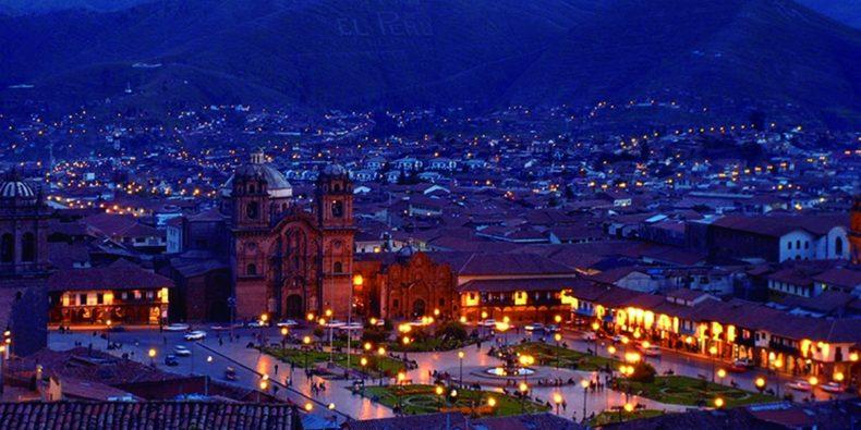 ciudad de cusco de noche - 15 días en Perú