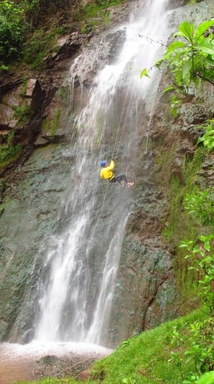 abseiling-waterfall-cities-in-peru