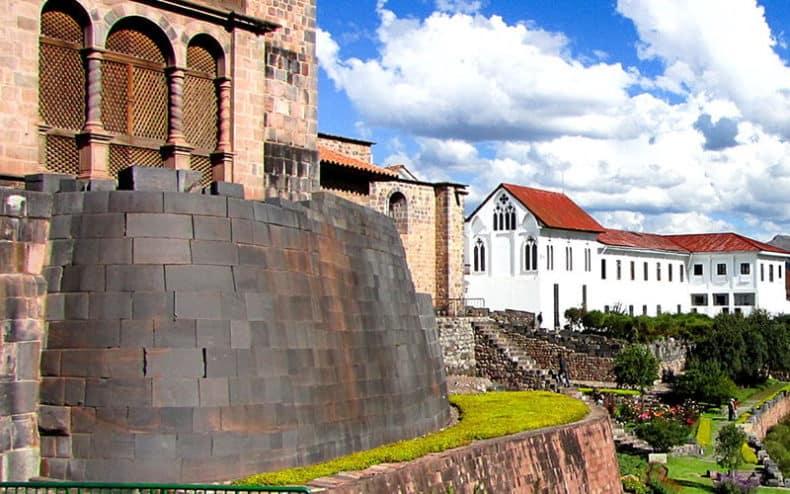 Coricancha_Temple_(Temple_of_Sun),_Cuzco
