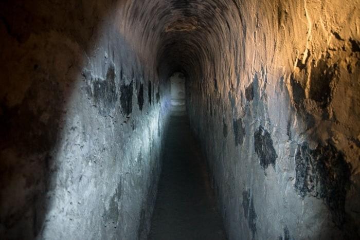 slave tunnels 02