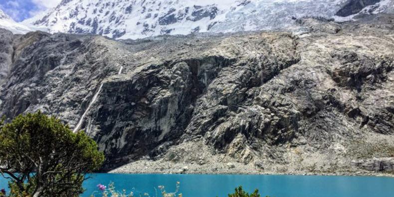 lagoon hualcacocha huaraz