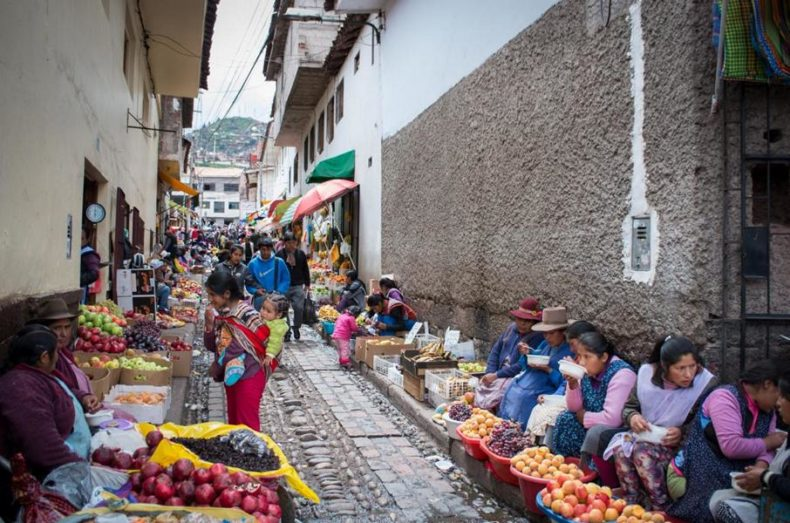 Spanish Schools in Cusco - Street