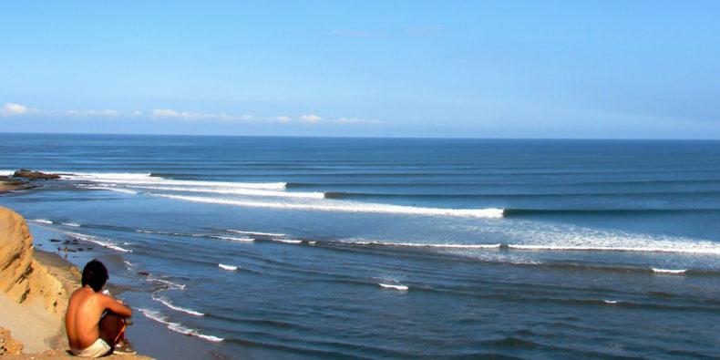 La plus longue vague du monde à Puerto Chicama dans le nord du Pérou.