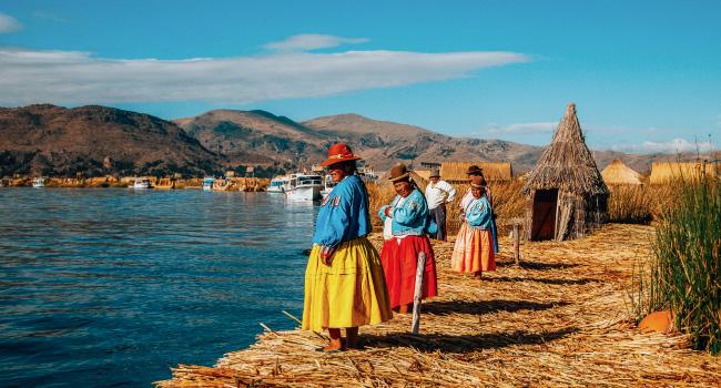 îles Uros - un poisson fait en roseau de totora
