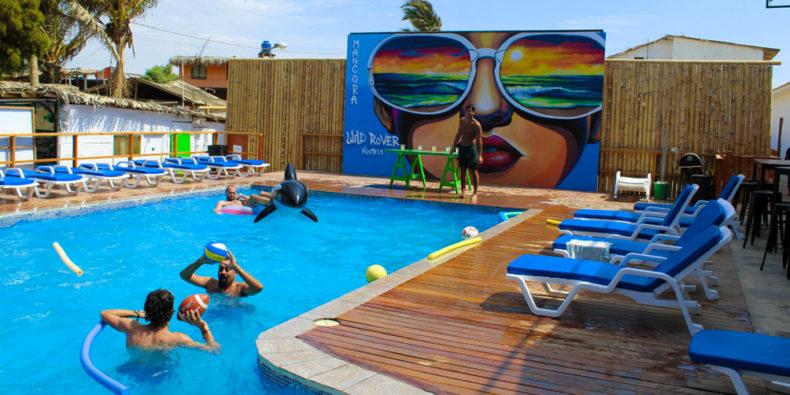 La piscine de l'hôtel Wild Rover à Macora.