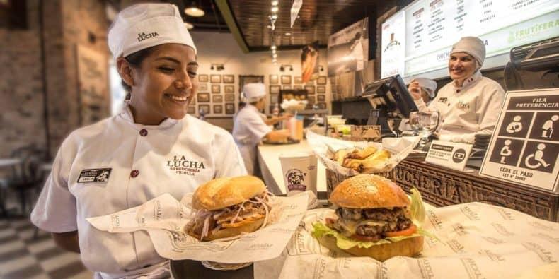 La Lucha Sangucheria with working serving food
