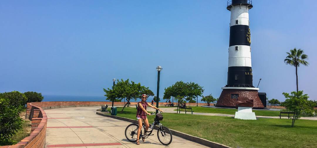 lugares para conocer en lima - tour en bicicleta