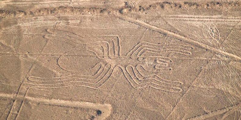 vista aérea de una de las figuras de las líneas de nazca- cosas que hacer en perú