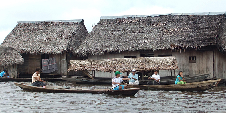 houses in iquitos