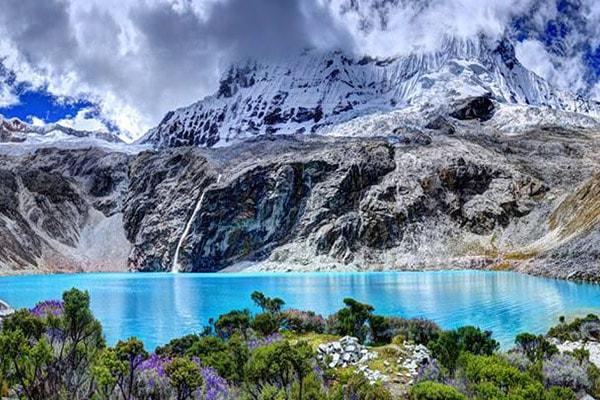 laguna 69, blue lagoon in Peru