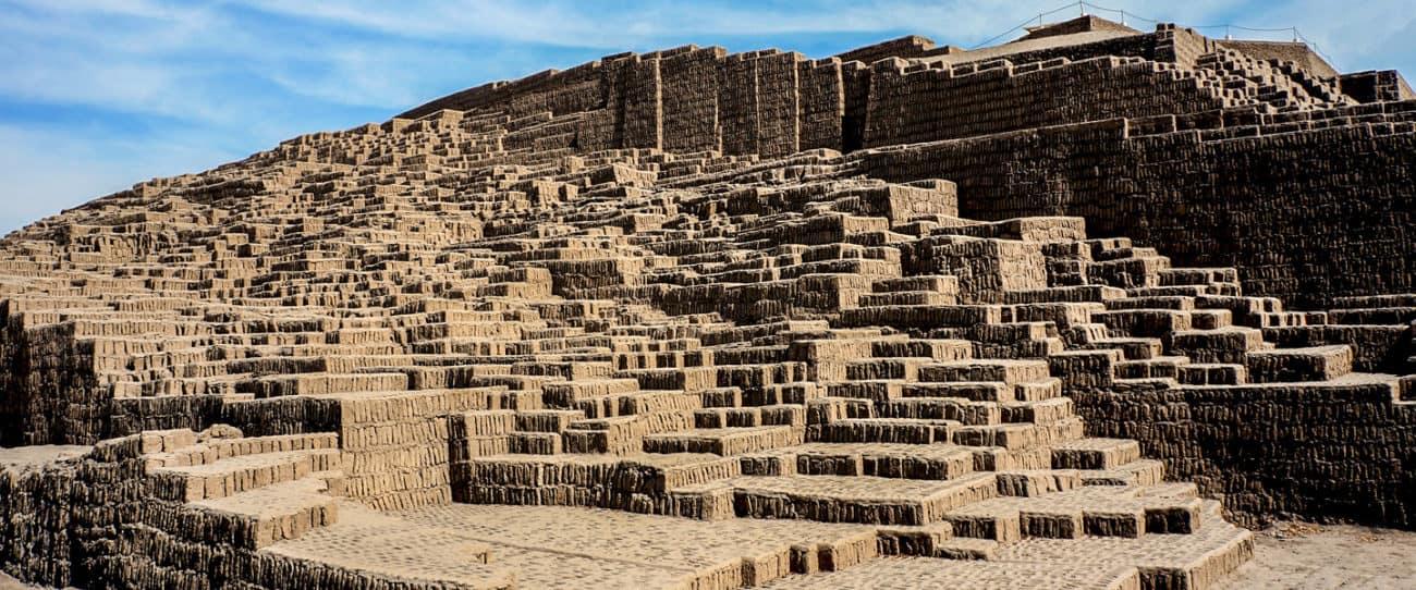 Discover The Huaca Pucllana Pyramid - Peru Hop