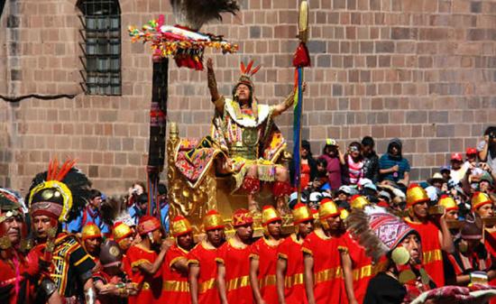 Inti Raymi Festival - Modern Sapa Inca celebrating