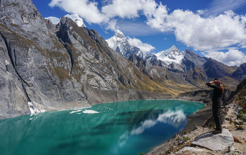 Cordillera Huayhuash Trek - Lagoon and Mountain in huayhuash