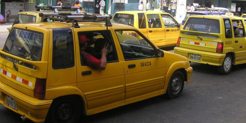 taxi-in-peru-featured