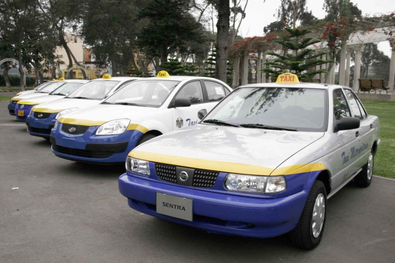taking taxis in peru