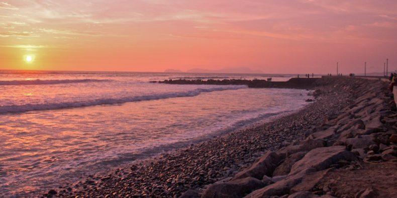 fim de tarde na praia de Lima - tour em lima